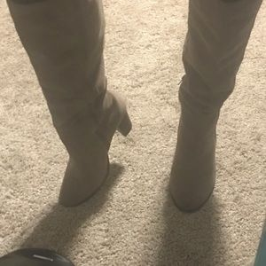 DOLCE VITA SUEDE BOOTS SIZE 6.5
